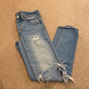 American Eagle Hi-Rise TomGirl Jeans Ripped